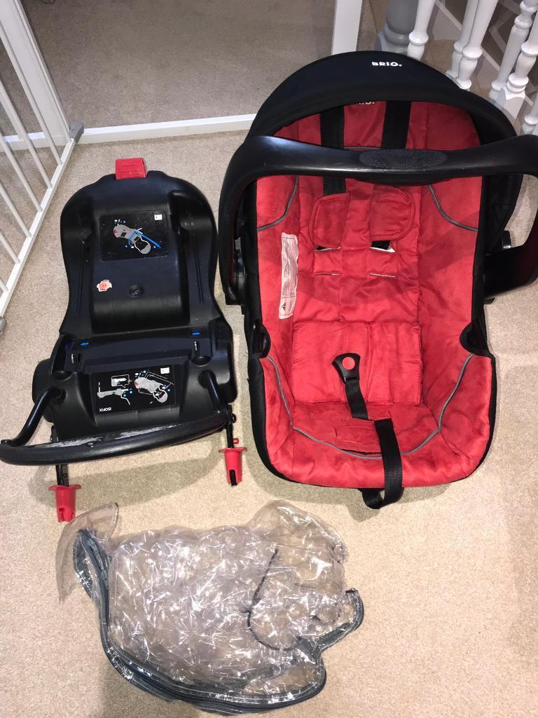 BRIO Infant Car Seat And 2 Isofix Bases