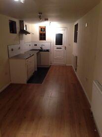 One bedroom Studio Flat to rent