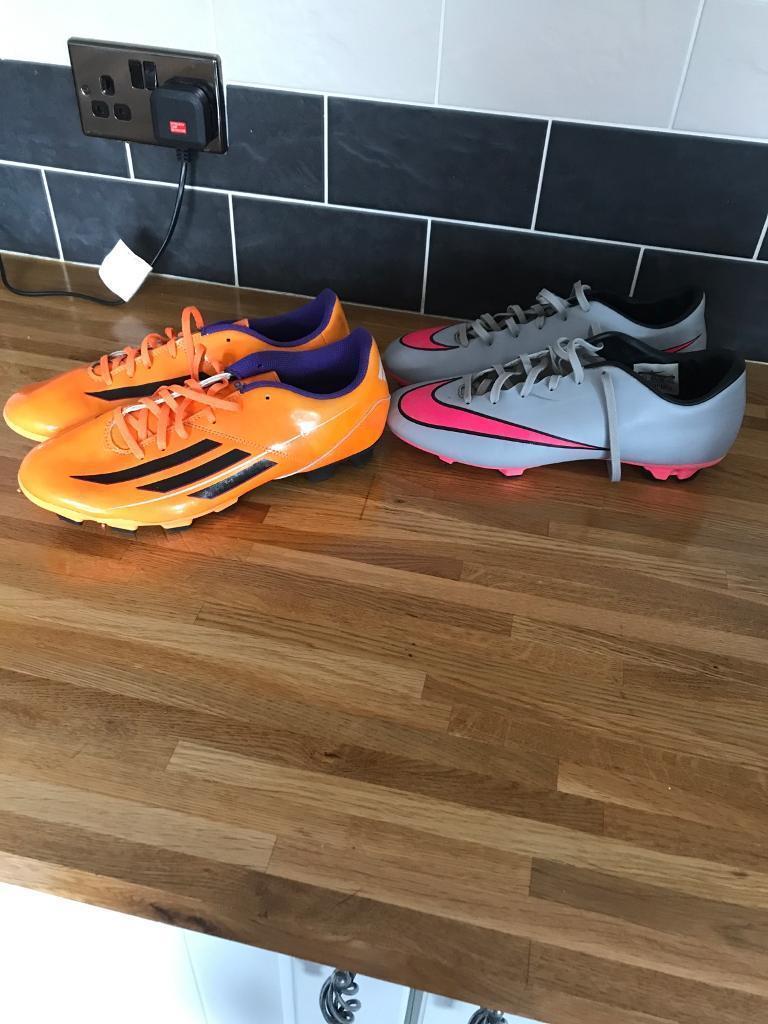 Football boots 8.5in Gateshead, Tyne and WearGumtree - 2 pairs of football boots both size 8 1/2Excellent condition Collection from ne8 1tz £15 for the 2 pairs or £10 each