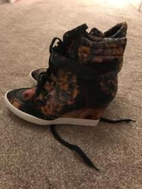 Hidden wedge floral vintage trainers