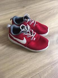 Nike trainers child size 10.5 (will fit a 10 foot)
