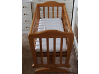 Wooden glider crib/rocking cot (includes sheets and mattress)
