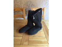 BRAND NEW - BLACK UGG BOOTS - UK SIZE 9