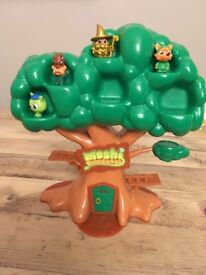 Moshi monster tree with 4 monsters