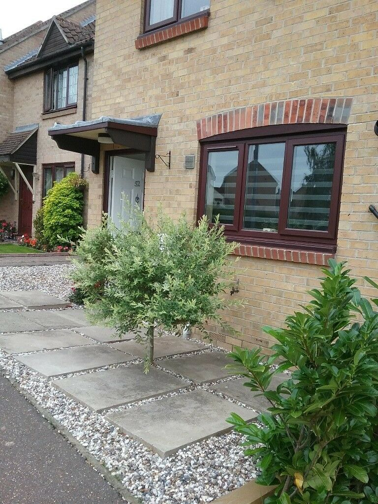 2 bed tidy house in Essex for same 30 mile radius yeovil somerset.