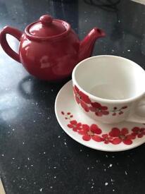 Tea pot cup and saucer