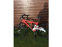 Diamondback mountain bike, only used 5or6 times,like new, cost £500! For sale at £250ono