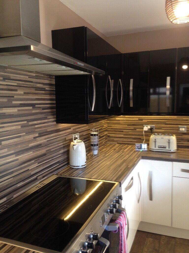 Gloss Cream And Black Kitchen Doors From B Q