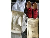 Authentic Gucci Men Bee Sneaker matching code box and shoes