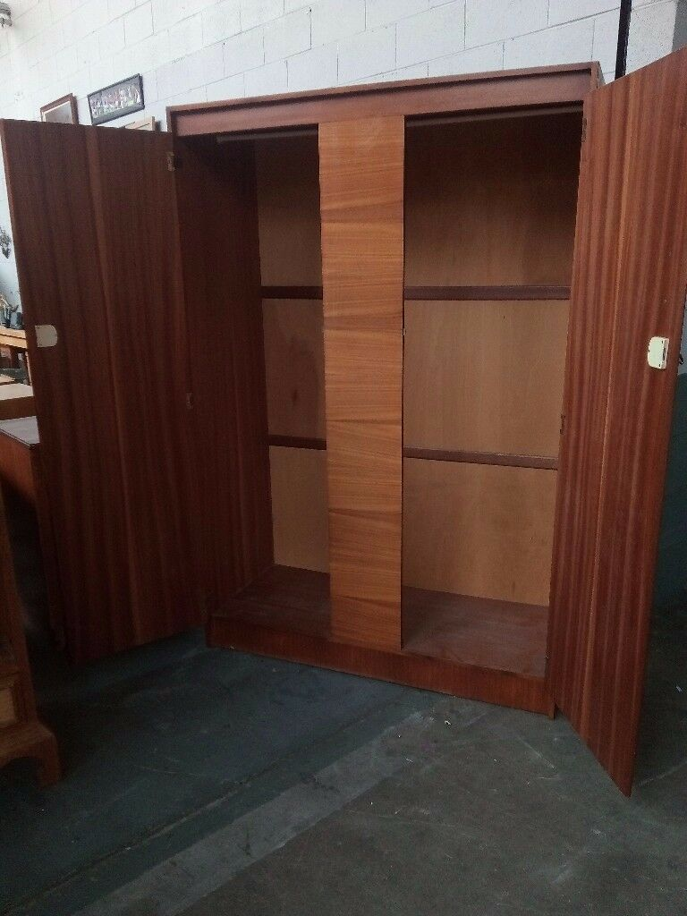 Retro vintage wardrobe in very good condition. Delivery can be arranged if required.