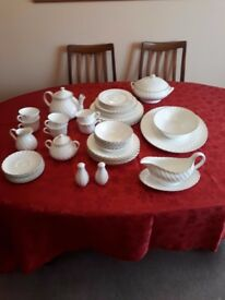 Wedgewood Gold Chelsea Bone China Dinner set