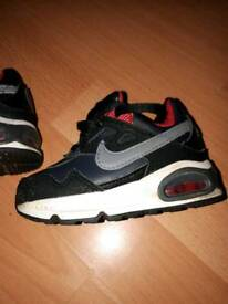 Size 4.5 nike trainers black white n red
