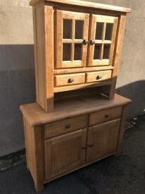 Ex-display***Solid chunky oak display unit BARGAIN - delivery available !!!