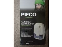 Pifco P44011 Portable Mini Air Dehumidifier