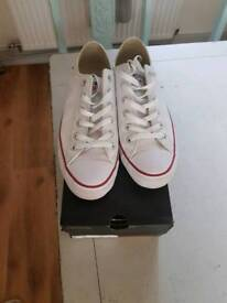 Men's converse all stars size 8 boxed