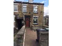 2 Bed House in BD9 £100PW No Admin Fees