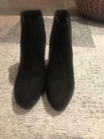 Black ankle boots size 5 New Look