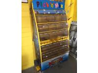 Pic and mix stand
