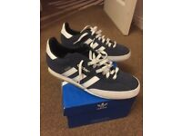 Adidas Samba Trainers For Sale. Unwanted gift. Size 8. Never worn, tags still on.