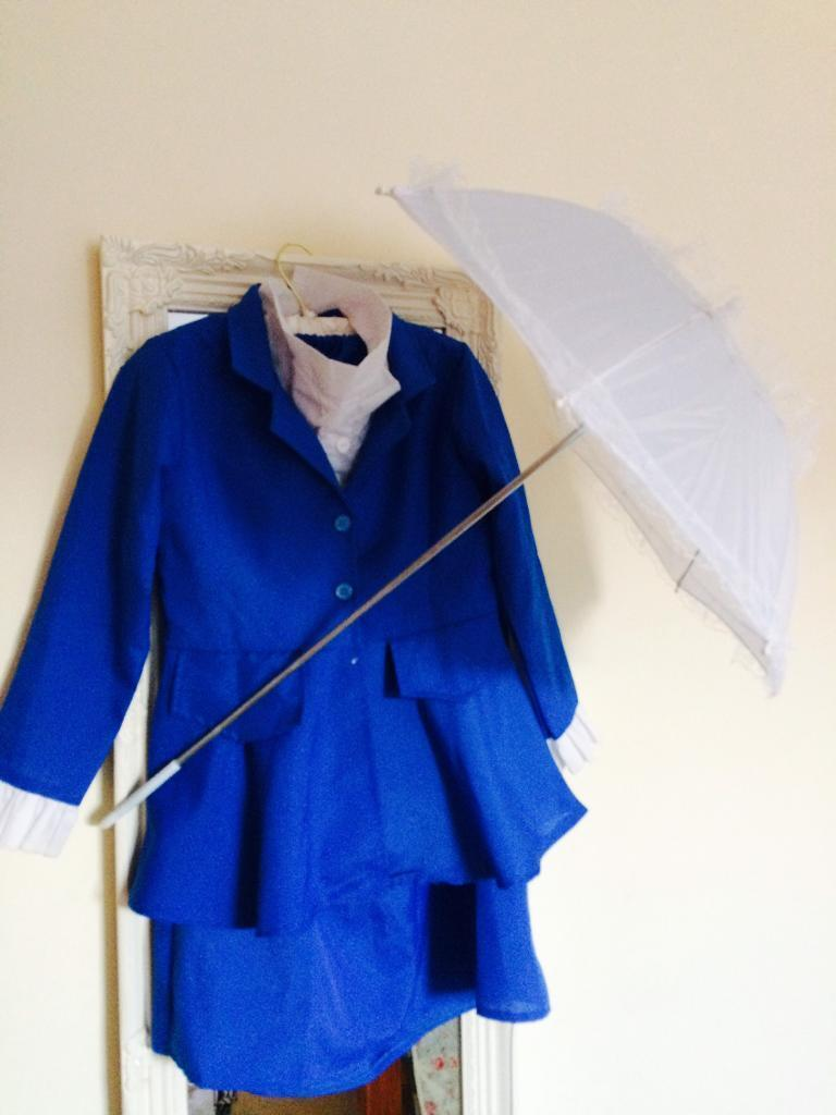 Mary Poppins (lady McPhee ) costume