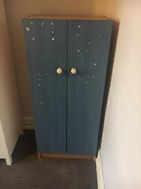 Wardrobe good condition in blue