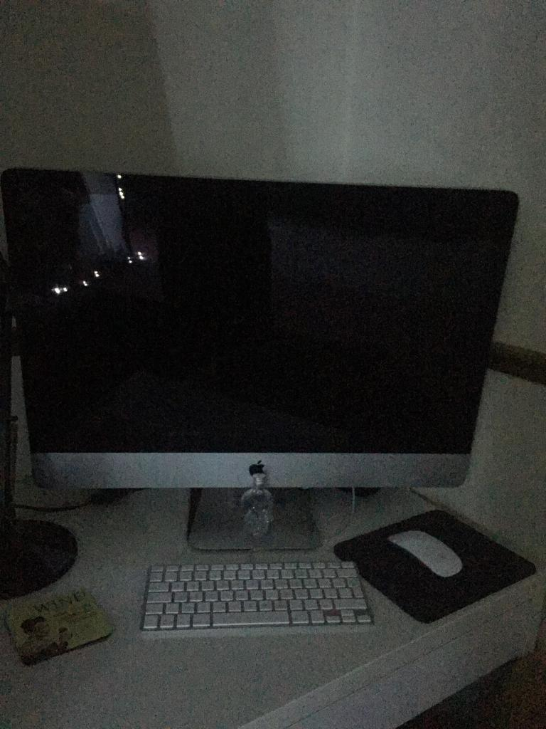 """27"""" iMac 1TB/ 8GB Memory/ 3.2 GHz Intel Core i3/ Mid 2010in Bromley, LondonGumtree - In very good condition. Great performance. If you have any questions please email or text"""