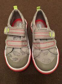 BN children's start-rite shoes Size 8