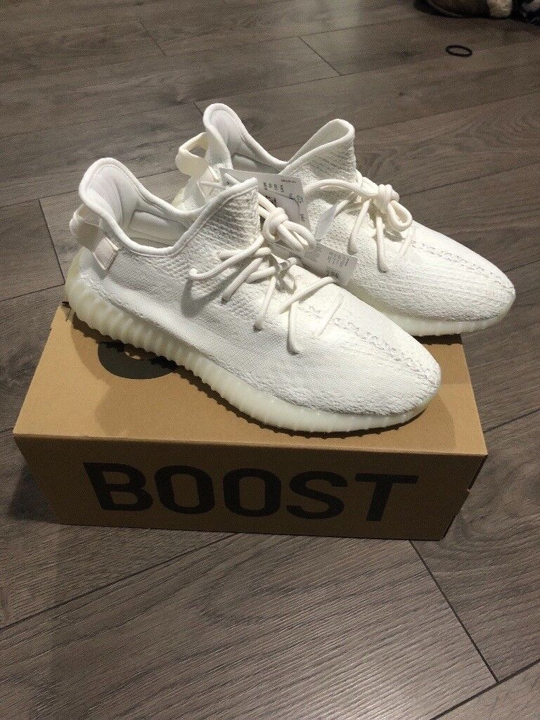 84a1a67782314 Genuine Adidas Yeezy Boost 350 V2 Triple White Size 10 UK