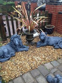 Gorgeous pair of huge solid lion and tiger statues get baby cub free