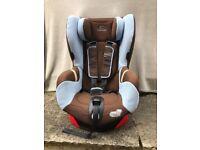 Axiss Maxi Cosi car seat