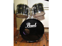 Pearl Export Series – 5 Piece Drum Kit with Stands - Black – Good Condition