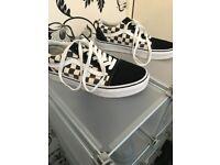 Checkerboard Old Skool Vans (4.5UK)