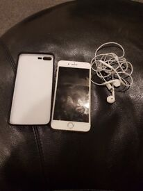 IPhone 7pluse 256gb. Unlocked. Good condition. 500ono. Original headfone. Charger (not original).
