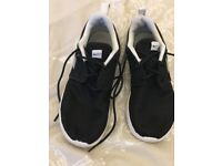 Black Nike Trainers Size 2