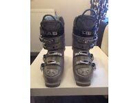 HEAD - women's ski boots, size UK 6
