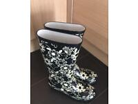 Size 4 wellies