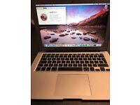Macbook Air 2015 13 Inch fantastic condition £600 Ono