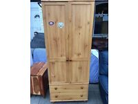 NICE WOODEN WARDROBE WITH DRAWERS