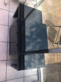 Black gloss set of two tables.