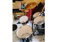 Mapex tornado drum set. 8 months old