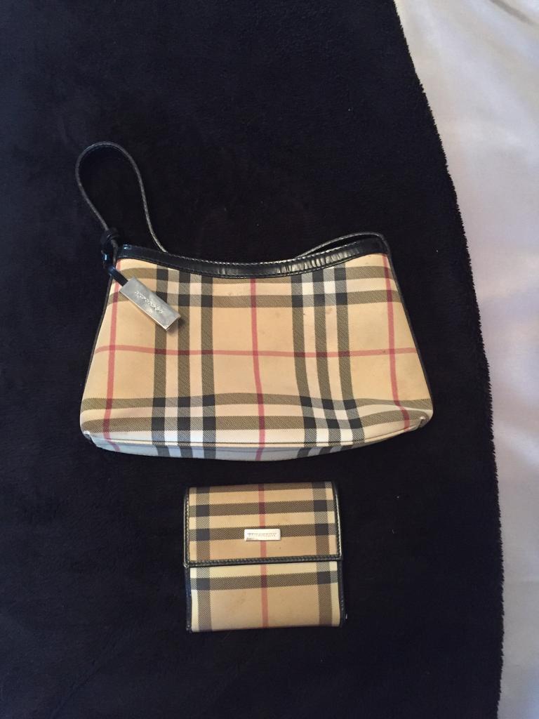 Genuine burberry bag and purse  6442e1354da38