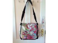 Girl shoulder bag