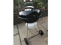 Weber Original Charcoal Kettle BBQ (nearly new)