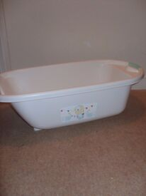 i'm selling a baby bath little one now to big for it