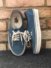 b44c29d0b57000 New Vans Authentic Shoes Navy Style  VEE3NVY Size  UK 9 25£