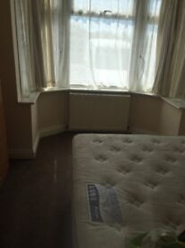 double room to rent hatton cross