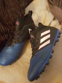 Adidas half cuts football boots size adult 9
