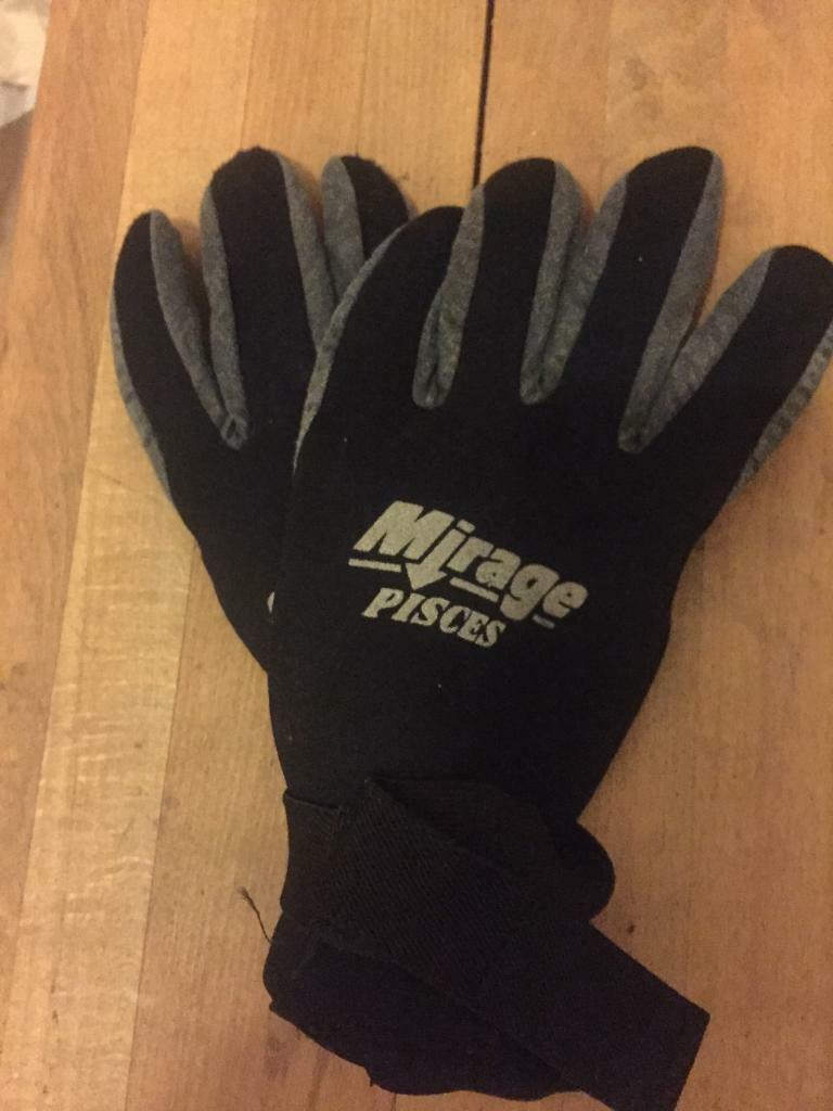 Dive gloves