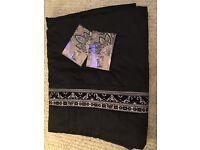 Black throw/two pillow cases