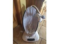 4moms Mamaroo with box. excellent condition, like new